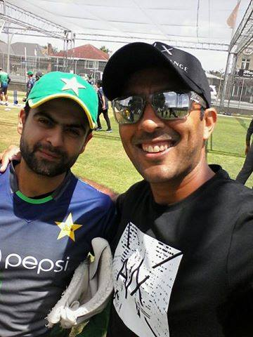 Tennis Star Aisam-ul-Haq Clicked Selfies With The Cricketers