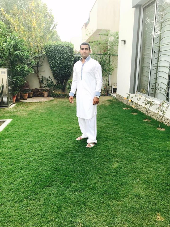 Umar Akmal After Pray Jummah