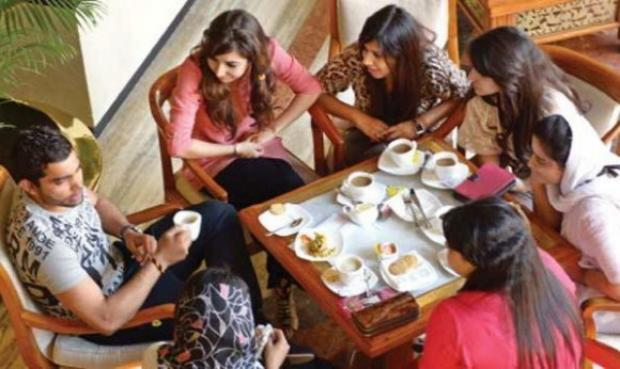 Umar Akmal Talking With Girls At Dhaka Hotel