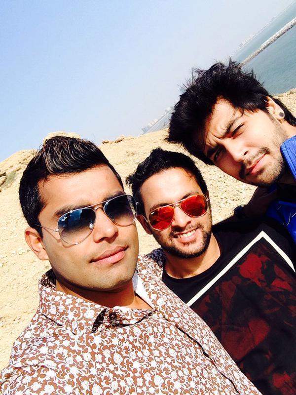 Umar Akmal With Friends At Keamari Karachi
