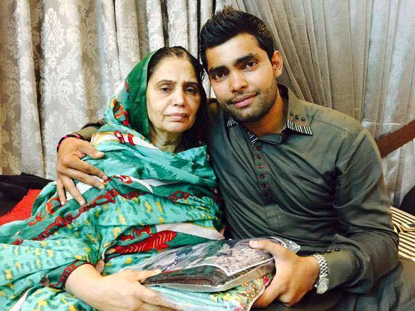 Umar Akmal With His Mother