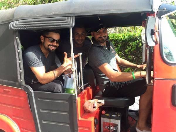 Virat Kohli And Harbhajan Took Rickshaw In Sri Lanka