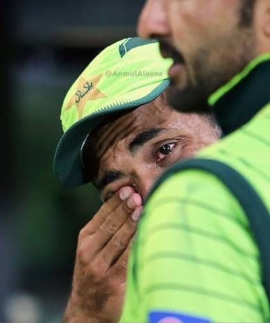 Wahab Riaz In Tears