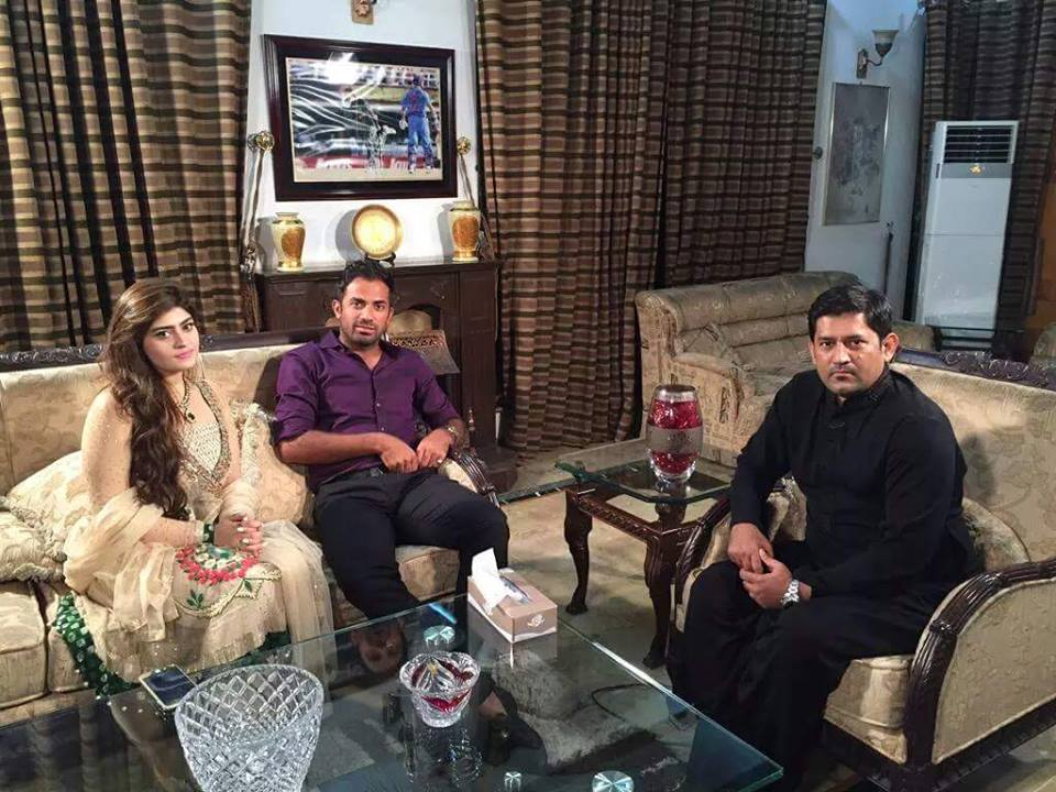 Wahab Riaz with Wife Interviewed by Yahya Hussaini