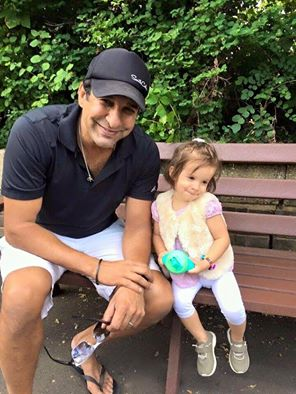 Waseem Akram With His Daughter