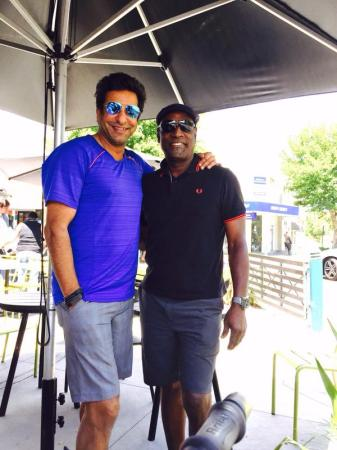 Waseem Akram With Viv Richards