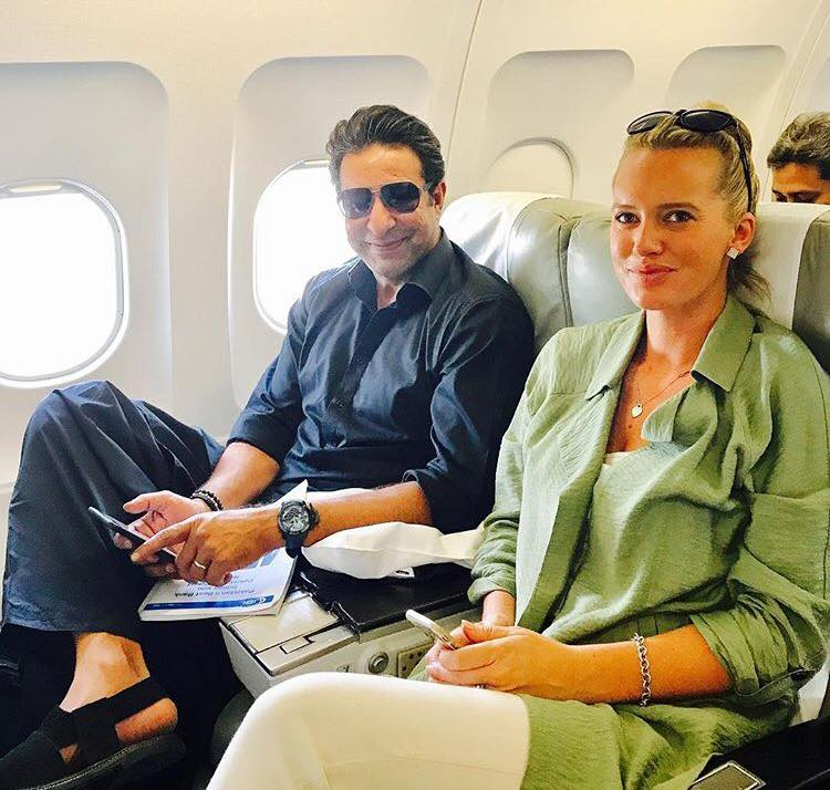 Wasim Akram & Shaniera Akram On Route To Lahore