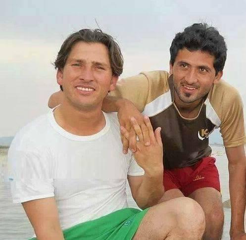 Yasir Shah & Junaid Khan Old Picture Of Cousins