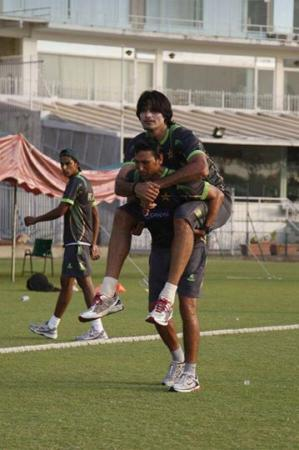 Younis Khan Doing Some Extra Practice