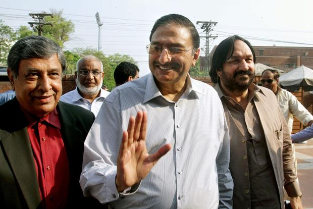Zaka Ashraf Arrives At The PCB Office