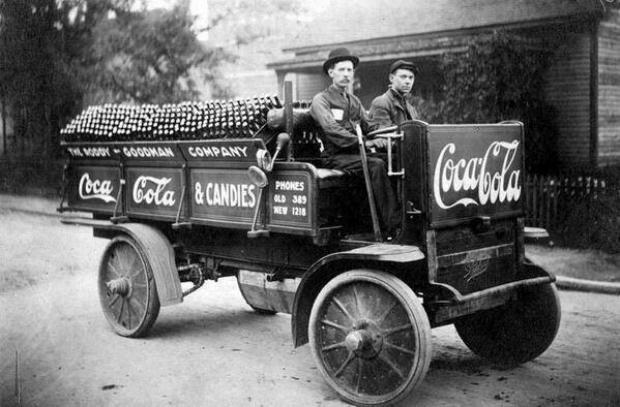 A cool Coca Cola delivery truck in Knoxville, 1909