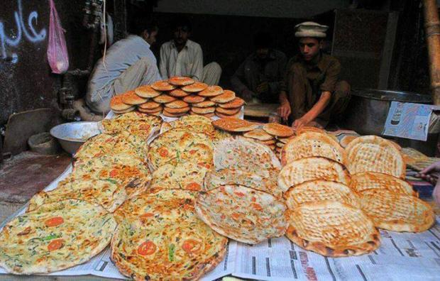 Peshawari pizza, known as Pashteeza