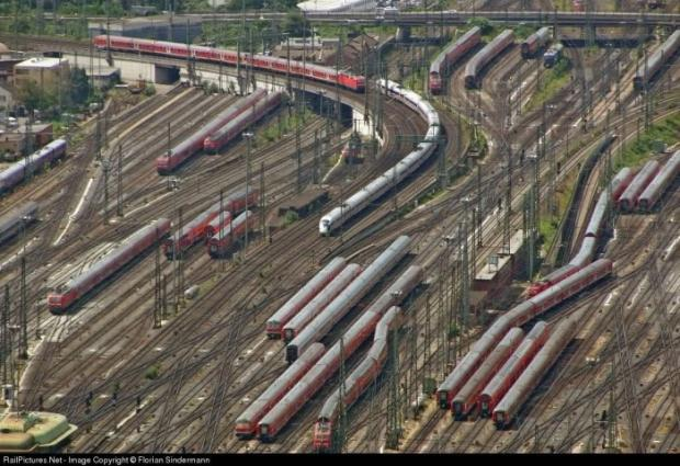 World's Most Complicated Railway lines in Frankfurt, Germany.jpg