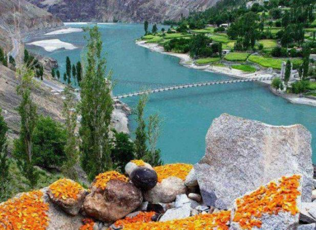 Beautiful Pakistan Hunza Valley River – Gilgit Baltistan