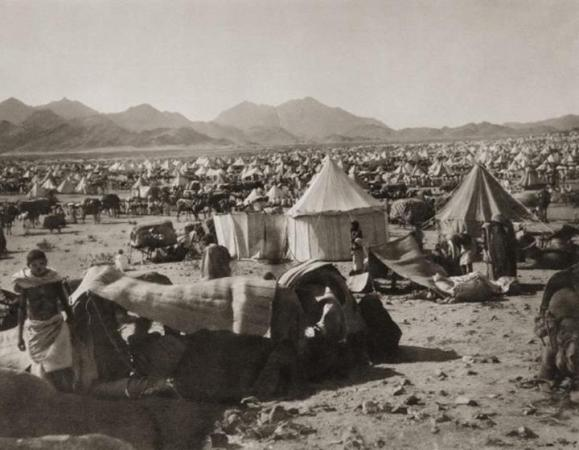 1889 - A Hajji tent camp to the west of Mount Arafat
