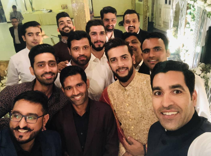 Pakistani Players Take Selfie With Groom Imad Wasim