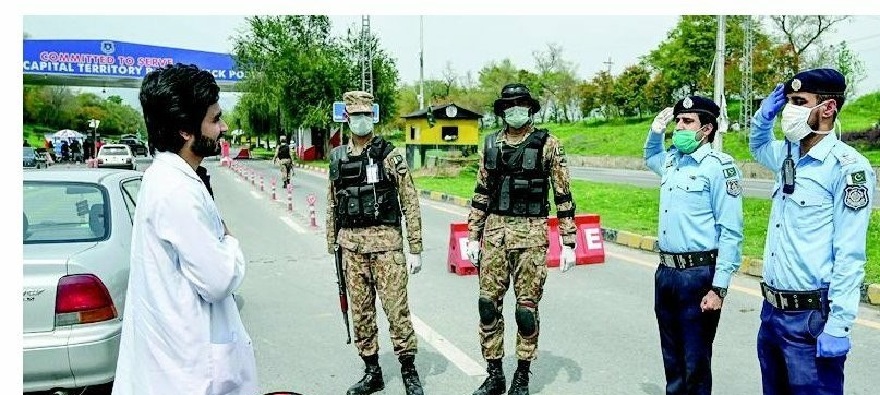 Picture Of The Day, Security Forces Salutes To Doctors