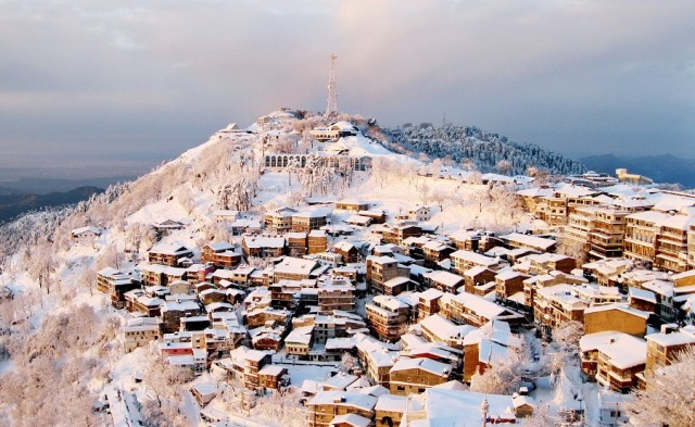 In a Snow What Murree turns into