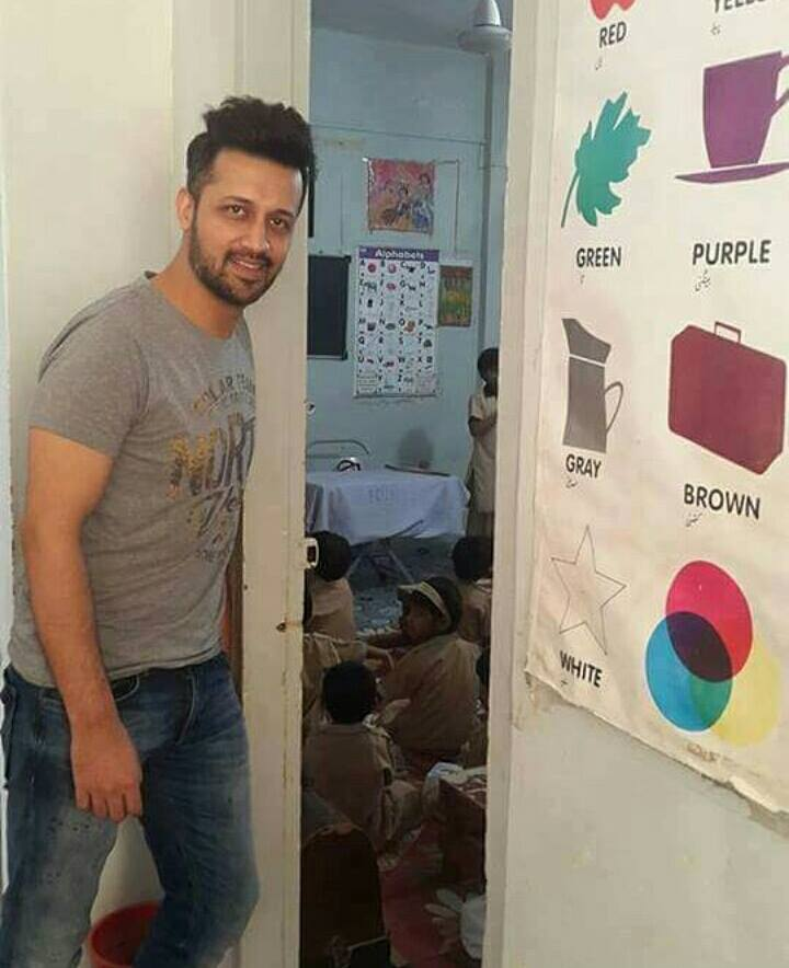 ‪Atif Aslam‬ at Edhi‬ Home