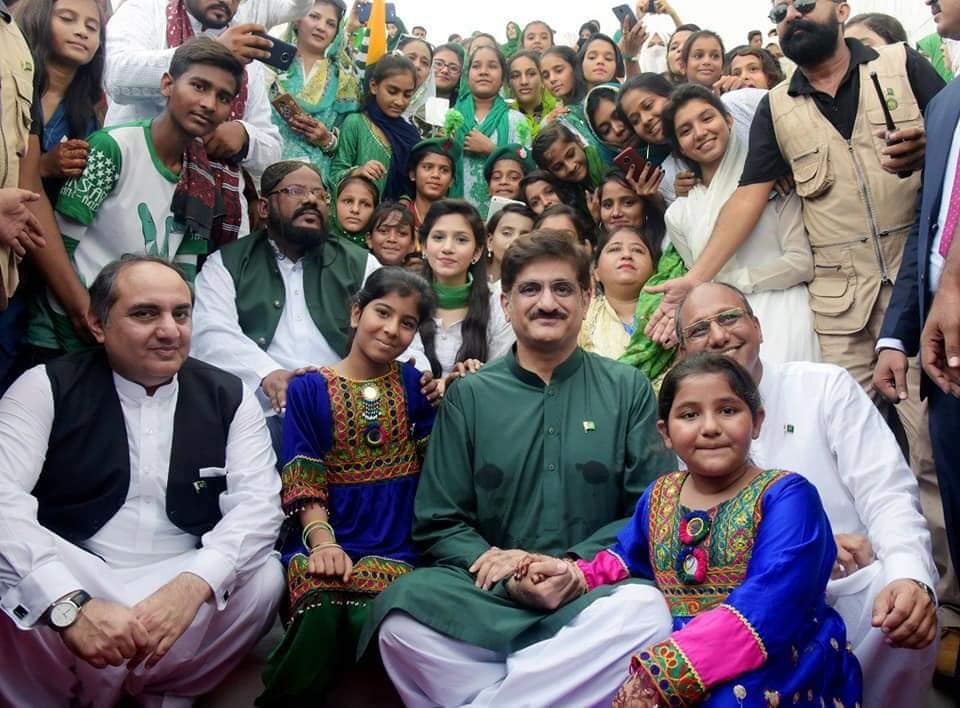 CM Sindh Murad Ali Shah At Mazar e Quaid Celebrating Independence Day With Kids