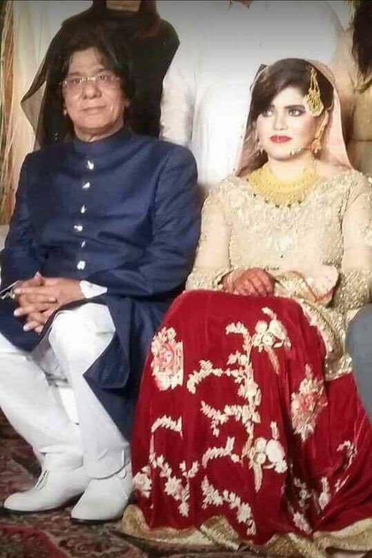 Former MPA Rauf Siddiqui With His Bride On Their Valima