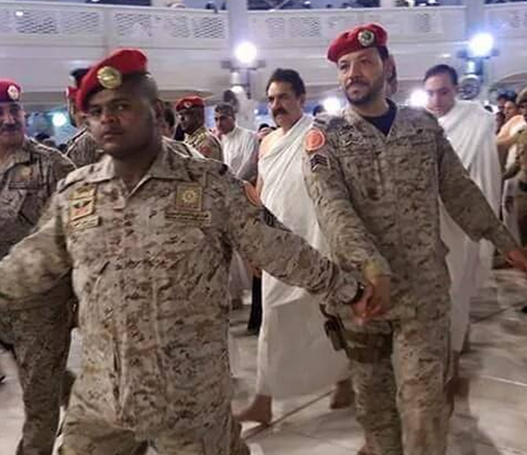 Gen. Raheel Sharif performs Umrah in Saudi Arabia