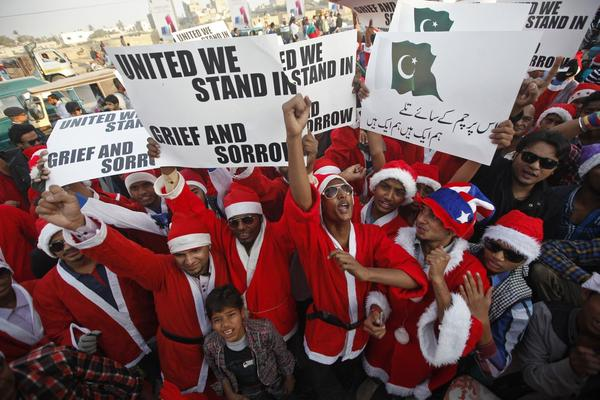 Hundreds Of Pakistani Santas Marched In Defiance Of The Taliban