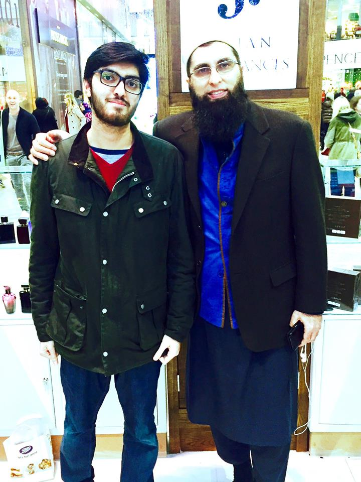 Junaid Jamshed With His Son In Bradford