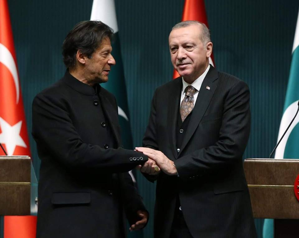 PM Imran Khan Gets A Warm Welcome By Turkish President Tayyip Erdoğan
