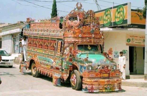 Pakistan Bus Art