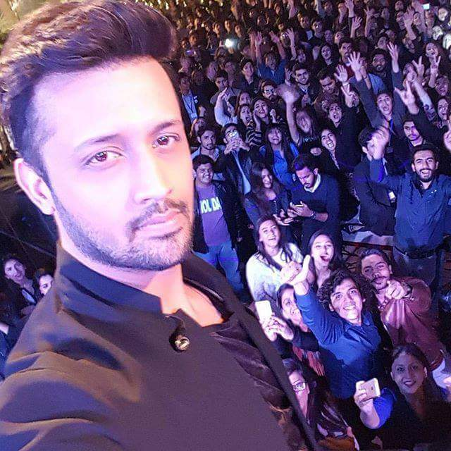Recent selfie of Atif Aslam at concert