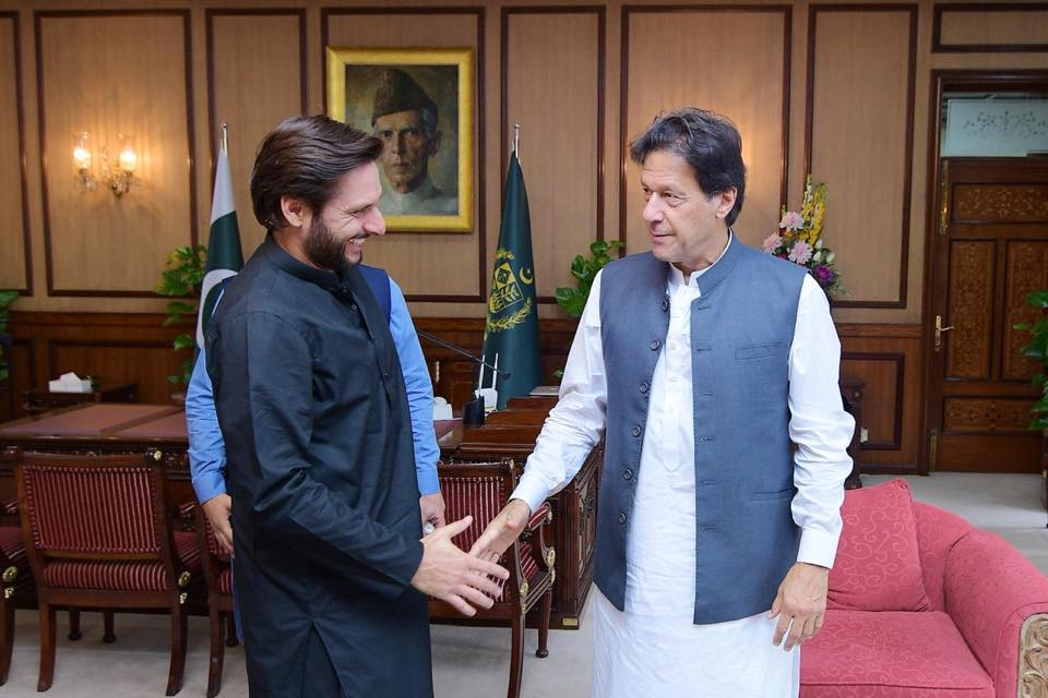 Shahid Afridi Meets PM Imran Khan To Discuss Public Welfare Projects