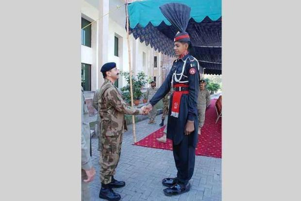 Tallest Soldier of Pakistan Army