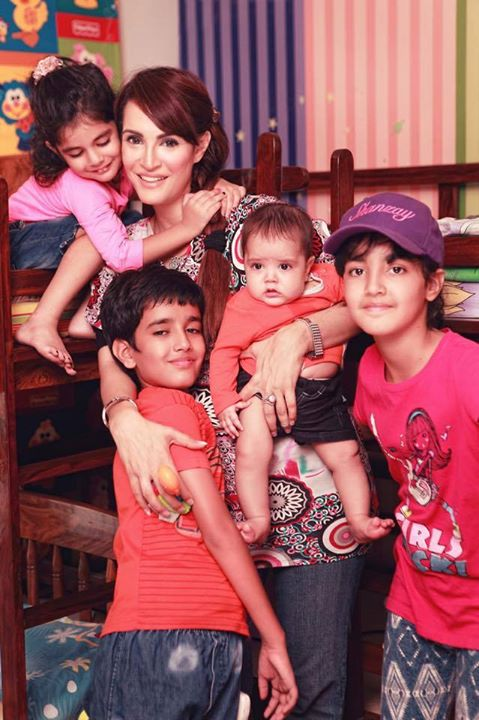 ‎Nadia Hussain‬ with Her Cute Children