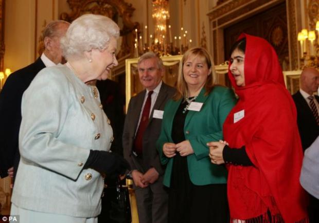 Malala Yousafzai meets Queen Elizabeth at Buckingham Palace