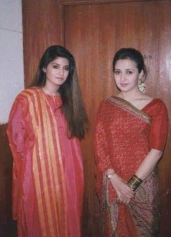 Old Picture of Nazia Hassan & Zeba Bakhtiyar