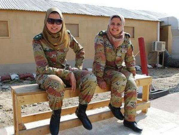 Pakistan Women Army Picture