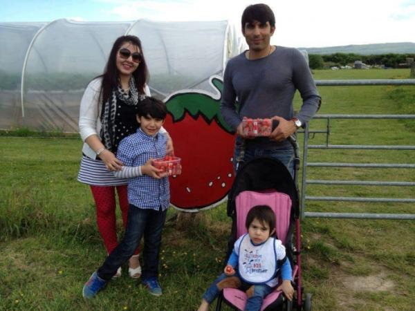 Pakistani Cricketer Misbah ul Haq with his family