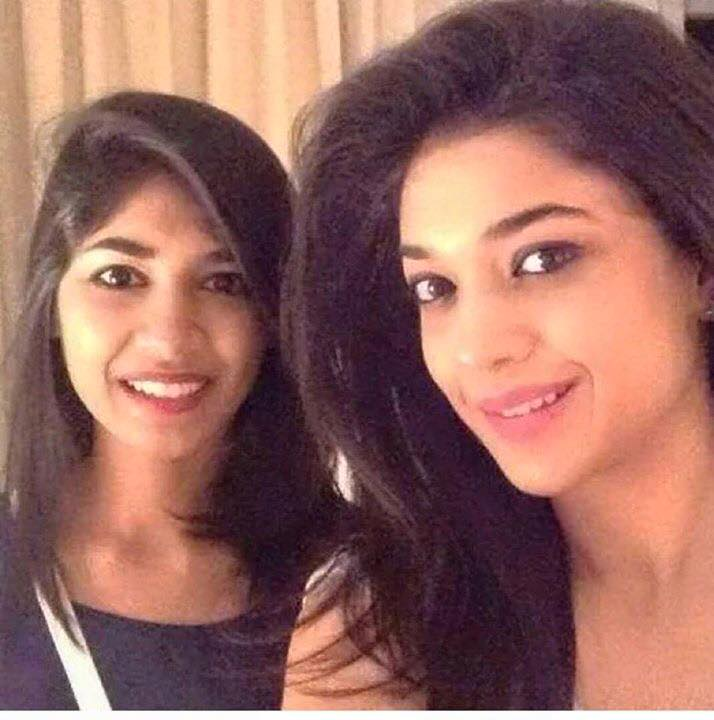 Sanam Jung with her sister