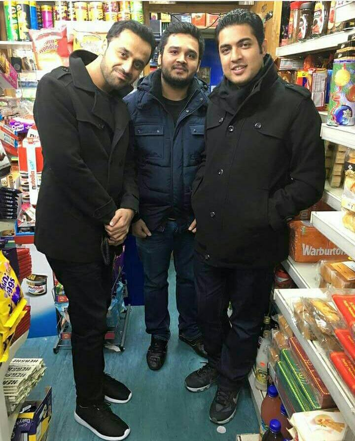 Waseem Badami‬ With ‪Iqra-ul-Hassan‬ In Shopping Market