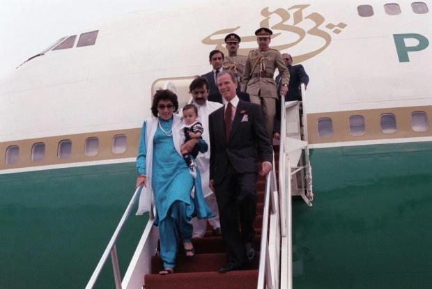 BB on her 1st visit to USA as PM of Pakistan