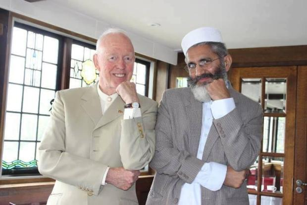 Funny gesture of Sirajul Haq and Tony Buzan