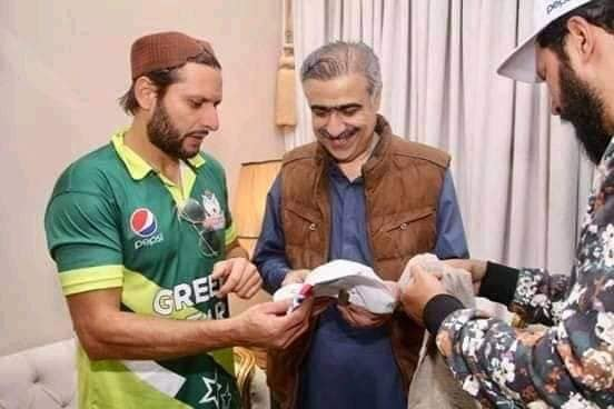 Minister Of Sindh Assembly Suhail Anwar Siyal With Shahid Afridi In Larkana