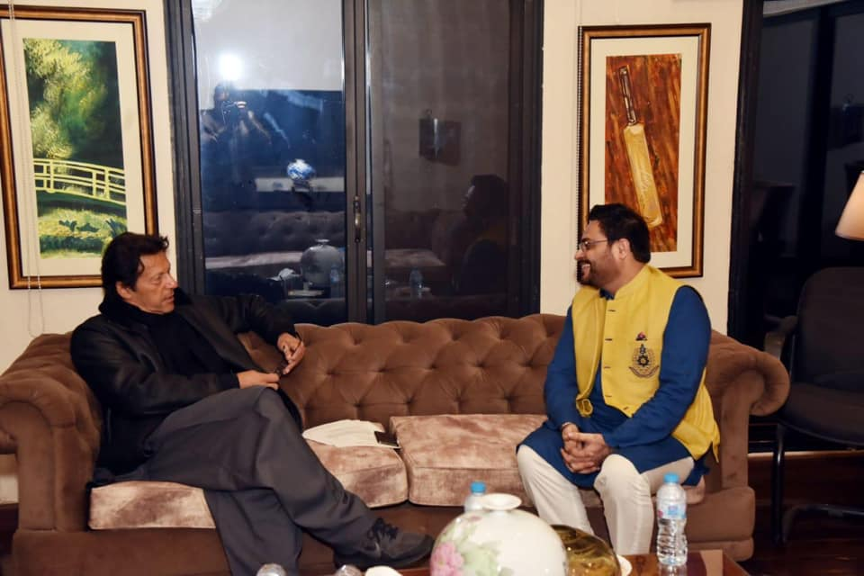 PM Imran, MNA Aamir Liaquat Discuss Karachi's Situation