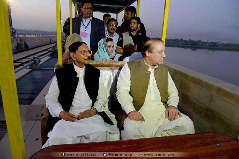 Prime Minister Nawaz Sharif visited Sukkur Barrage