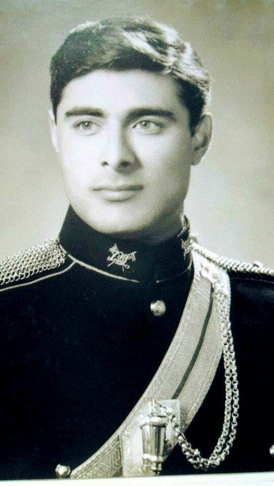 Young Photo Of Colonel (retd) Shuja Khanzada Shaheed