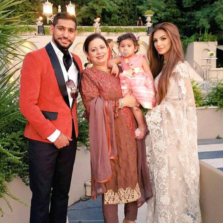 Boxer Amir Khan With Wife, Daughter And Mother In Law