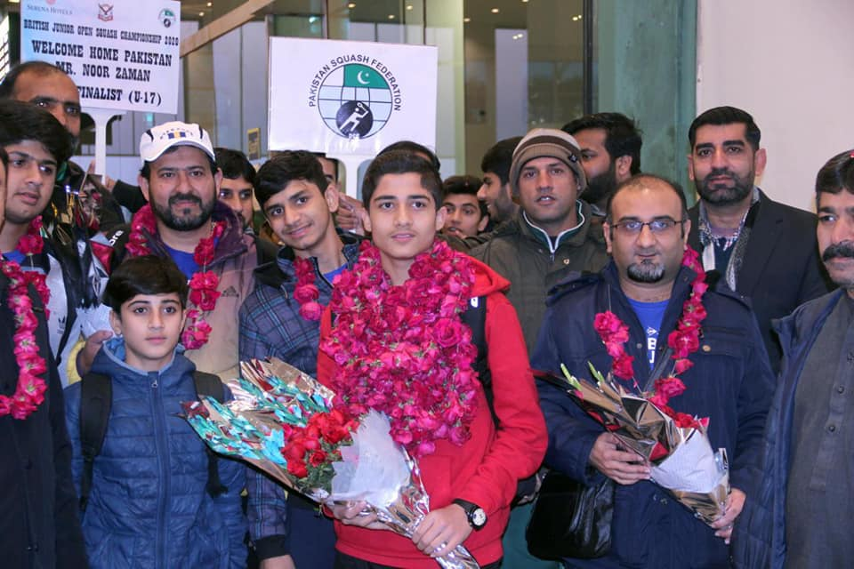Champion Of British Junior Squash Title Hamza Khan Gets Great Welcome On His Arrival