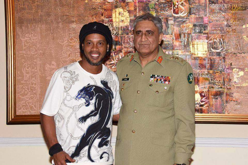 Gen. Qamar Bajwa Meets Brazilian Football Legend Ronaldinho