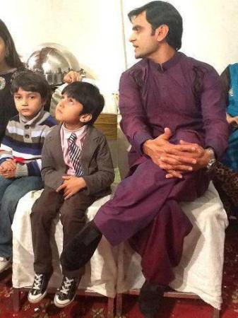 Hafeez with his Son..